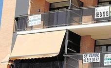 La Sareb pone a la venta casi un millar de viviendas en la Región desde 33.600 euros
