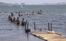 La degradación de Los Urrutias aumenta y desencadena una caída de turistas y negocios