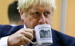 Exministros británicos se alzan contra la estrategia de 'brexit' duro de Boris Johnson