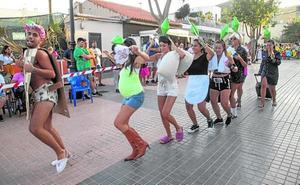 Desfile de disfraces, en las fiestas de Alumbres