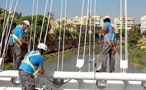 Limpieza de altura en los siete puentes