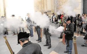 Vecinos de Yecla denuncian el «precio abusivo» de la pólvora que pone en riesgo sus fiestas