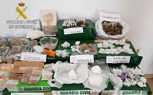 Desmantelan un punto de venta de drogas al menudeo en Mazarrón