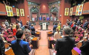 La Asamblea Regional ya acumula 298 iniciativas antes de comenzar el trabajo ordinario