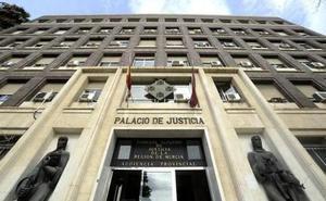 Absuelta la dueña de una gasolinera de Murcia a la que pedían cinco años de cárcel por estafa