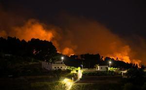 Continúan las evacuaciones por el incendio forestal de Gran Canaria