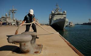 La primera e incierta misión del 'Audaz' cartagenero en Lampedusa