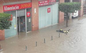 Las tormentas barren el Altiplano y el Noroeste e inundan calles y comercios