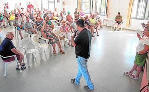 Castejón promete inversiones en Los Urrutias y dice que José López «no hizo nada»