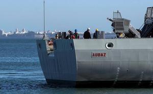 El 'Audaz' sigue navegando hacia Lampedusa por si se activa el reparto de migrantes
