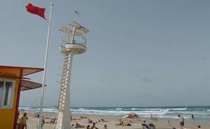 Bandera roja en 12 playas de La Manga
