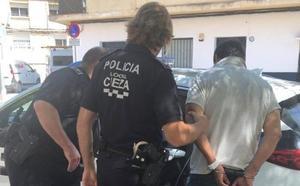 Detenido un hombre en Cieza tras robar más de 1.000 euros a una vecina en un cajero