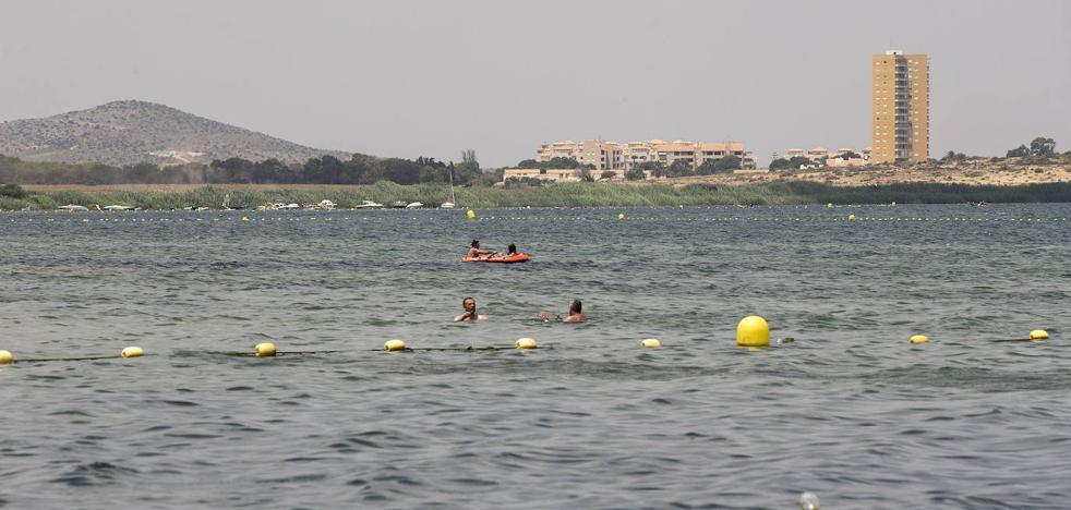 El Mar Menor sufre un incremento de la turbidez por las altas temperaturas
