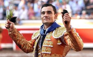 Paco Ureña sale a hombros en Bilbao