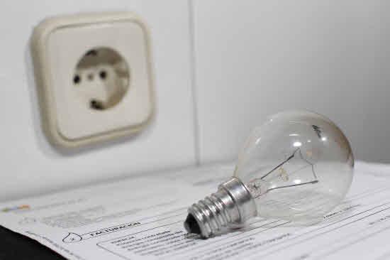 El abaratamiento de la luz modera los precios a mínimos de 2016