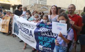Protestas en el inicio del curso en Cartagena para exigir la retirada del amianto en dos colegios