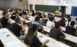 Casi 1.000 estudiantes de la Región se examinan de la EBAU a partir de este miércoles