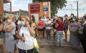 La Comunidad sigue sin dar fechas para quitar el amianto de los colegios, pese a las protestas
