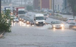 La Aemet reduce a nivel naranja el aviso por lluvias en la Región