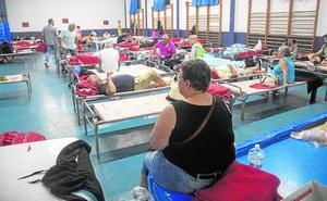 Desalojo masivo en Villas Caravaning de madrugada: «Vámonos, nos ahogamos»