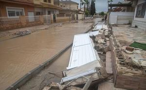 Nuevos desbordamientos de ramblas obligan a realizar más desalojos en Los Alcázares