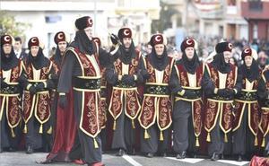 Moros y Cristianos suspenden hoy su principal desfile en Murcia