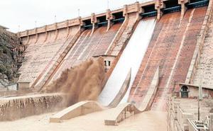 Emergencias mantiene el desalojo de familias de El Siscar y Orilla del Azarbe por la amenaza de riada