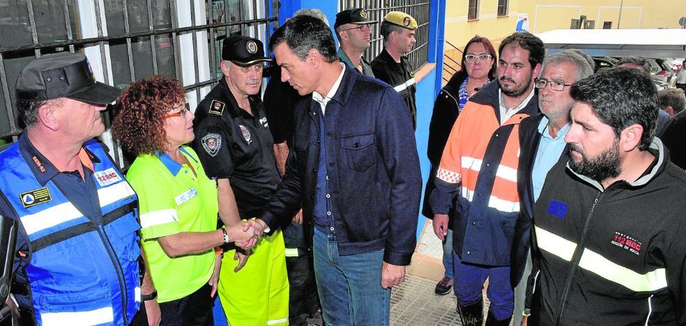 Pedro Sánchez anuncia en Los Alcázares que el Gobierno dará la máxima ayuda