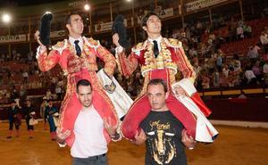 El Fandi y Castella abren la puerta grande