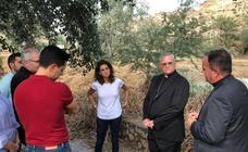 El obispo de Cartagena visita las zonas afectadas por las inundaciones