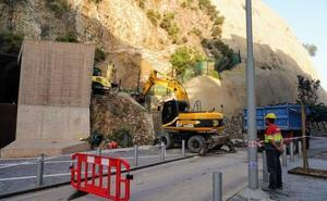 Empiezan a retirar toneladas de rocas del monte de la Concepción de Cartagena