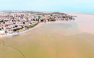 Luengo avisa de que la riada puede afectar al ecosistema del Mar Menor