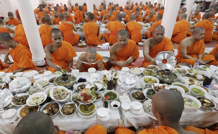 La hora del almuerzo budista