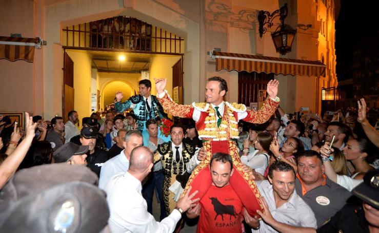 Ferrera y Cayetano salen a hombros