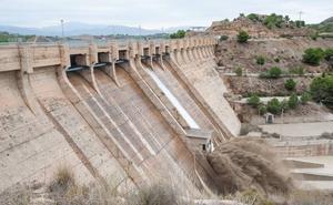 Los pantanos del río Segura crecen 56 hm3 en la última semana