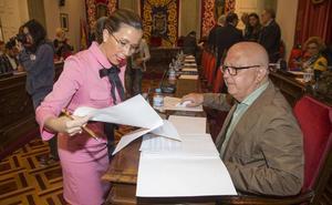 Ciudadanos disculpa que Castejón acudiera a un cumpleaños en plena crisis por la gota fría