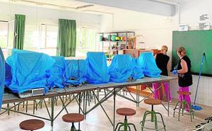 La lluvia retrasa la sustitución del techo de amianto del colegio Méndez Núñez de Yecla