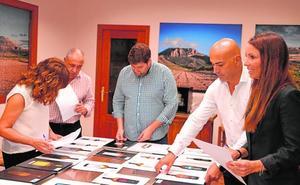 Bodegas Alceño elige una etiqueta para sus 150 años