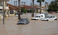 López Miras pide a la UE que active el Fondo de Solidaridad para hacer frente a los «gravísimos daños» por la gota fría