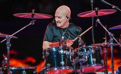 Chris Slade: «Volver con AC/DC significó que todavía podía tocar al máximo nivel»