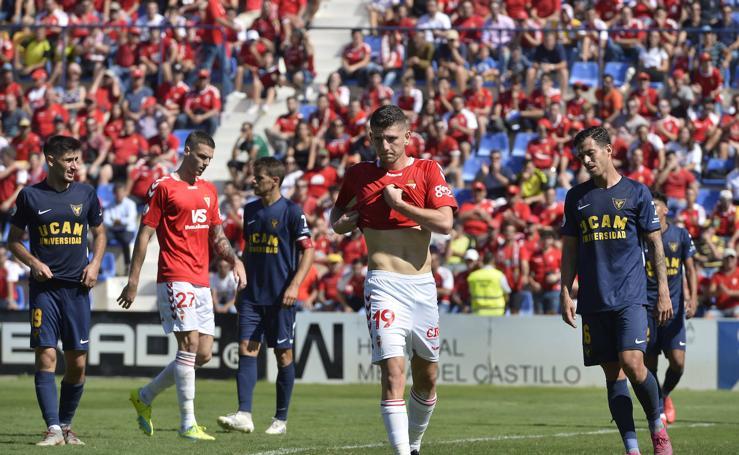 Las imágenes del derbi entre el UCAM CF y el Real Murcia