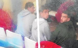 Cincuenta argelinos pasan la noche en Cartagena en sillas de Comisaría hasta su entrega a las ONG