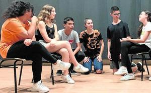 Los jóvenes aprenden a fomentar la igualdad de género con el teatro