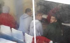 Cincuenta argelinos pasan en Cartagena la noche en sillas de Comisaría hasta su entrega a las ONG