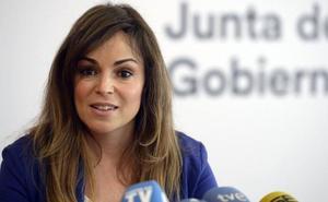 Rebeca Pérez: «Que jamás duden en el PSOE de que tienen los servicios municipales a su disposición»
