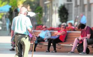 Vecinos y comerciantes echarán un ojo a los mayores que viven solos