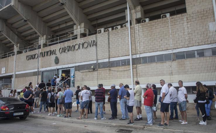 Locura por una entrada para ver al Barça