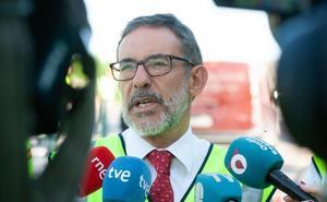El delegado del Gobierno acusa al Ejecutivo regional de «deslealtad» por las críticas a la gestión de llegada de inmigrantes