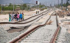 Renfe reanuda mañana el servicio de trenes entre Murcia y Alicante