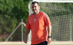 Adrián Hernández: «Algar y yo no tenemos ningún problema; nunca me ha dicho que ponga a su hijo»